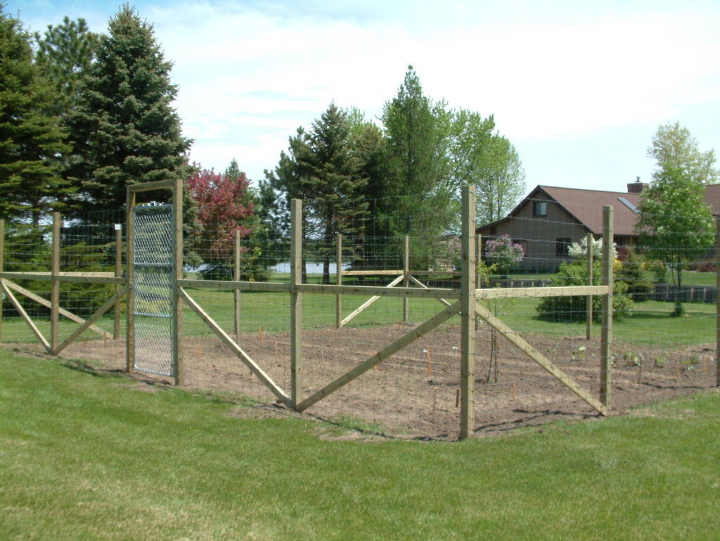 Garden Deer Fence Delta Fence Amp Construction
