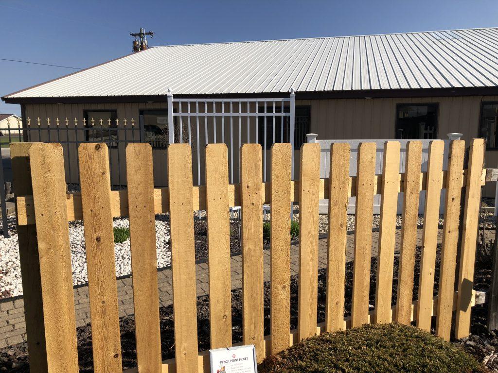 1 Fencing Contractor In Escanaba Mi Delta Fence